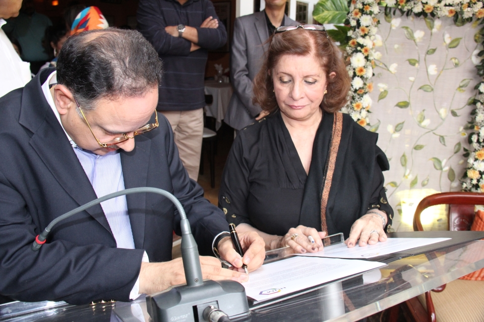 Zahir Rahimtoola CEO LABELS- Sultana Siddiqui President HUM TV